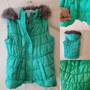 NEW | Girls KELLY GREEN QUILTED VEST W/ FURRY HOOD